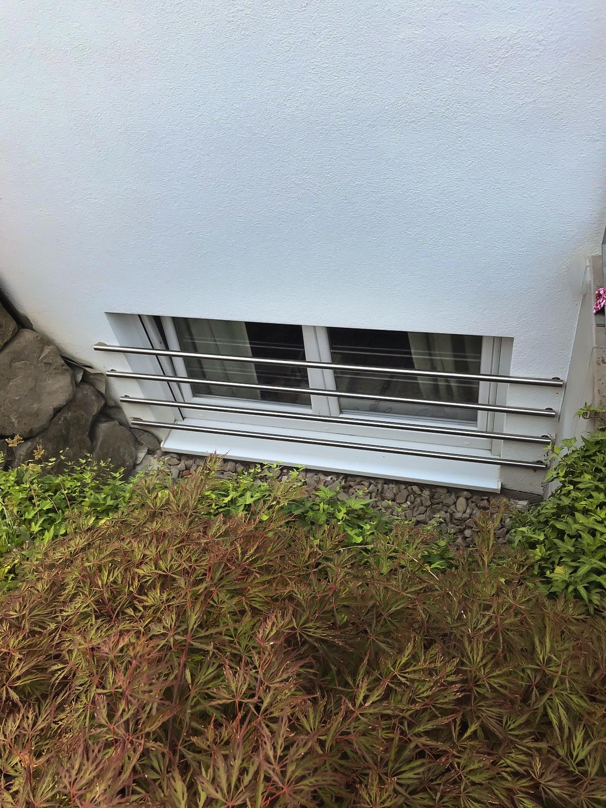 Kellerfenster sichern sicherungsstangen aus edelstahl for Kellerfenster einbruchschutz